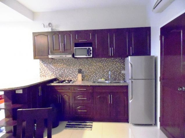2 bedroom Fully Furnished Apartment for rent near Sm Clark - 35K - 8