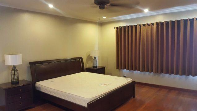 5 bedroom house in Maria Luisa - 5
