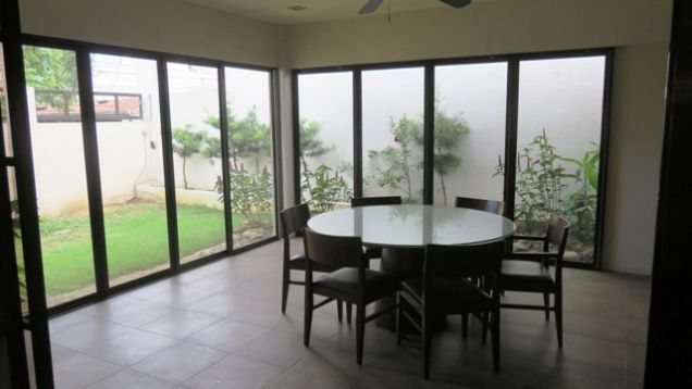 Bungalow House and Lot for rent in Lahug - 4