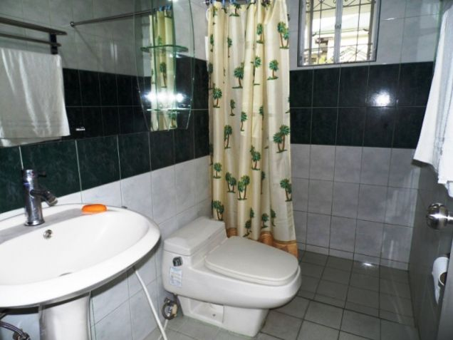 Bungalow House w/ Spacious yard for rent in Angeles City, Pampanga @P50K - 2