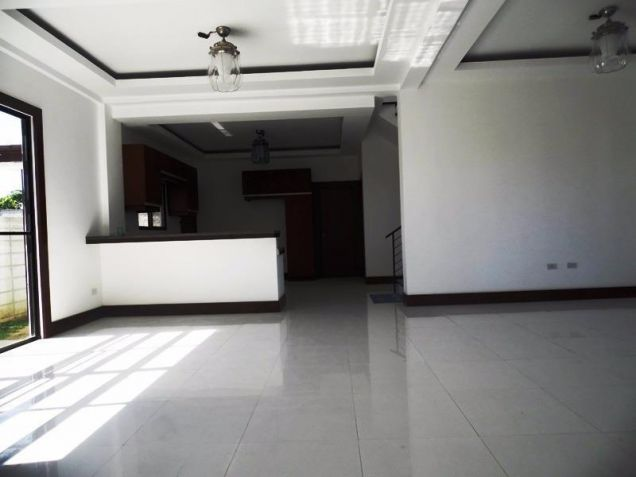 4 Bedroom Nice House in a Exclusive subdivision in Angeles City - 6