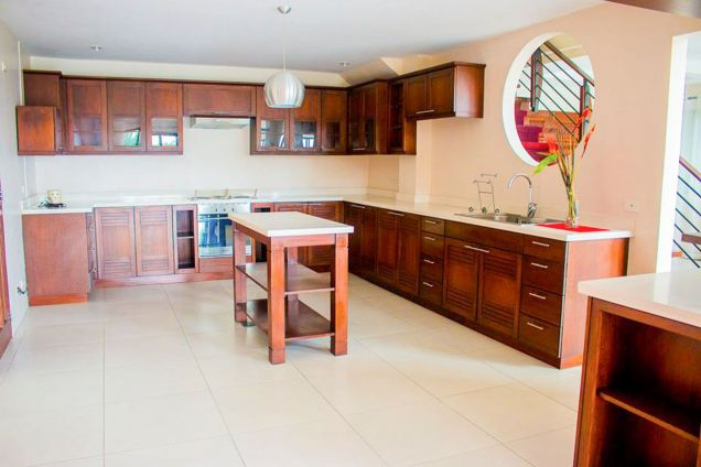 3 Bedroom House Overlooking Cebu for Rent in Busay - 4
