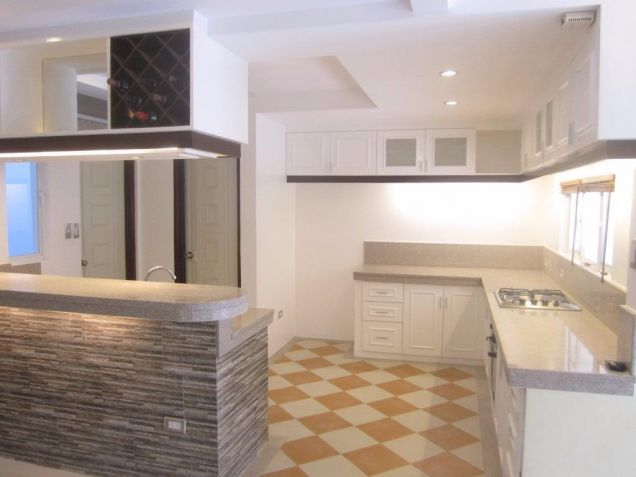 Luxury 4 Bedroom Town House For Rent In Friendship Angeles City Near CLARK - 2