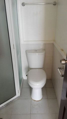 3 bedroom unit for sale in Linmarr Towers - 7