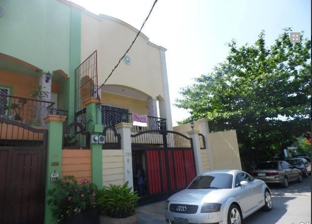 House with 4 Bedrooom in Balibago for rent - 0
