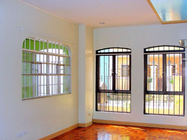 VAA Homes Las Pinas near Perpetual 3-bedroom bungalow for rent - 6