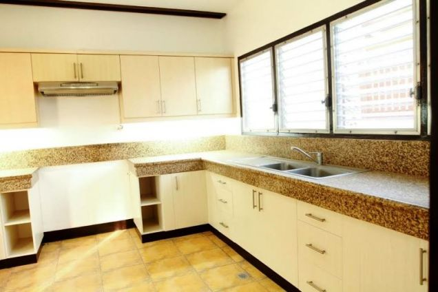 House for Rent in Lahug, Cebu City 3 Bedrooms - 1