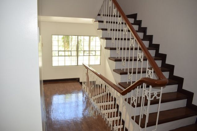 3 bedrooms unfurnished   Townhouse  with Attic for rent - 4