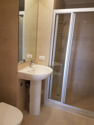 For Sale: 2 Bedroom Condo Unit at Milano Residences in Makati - 5