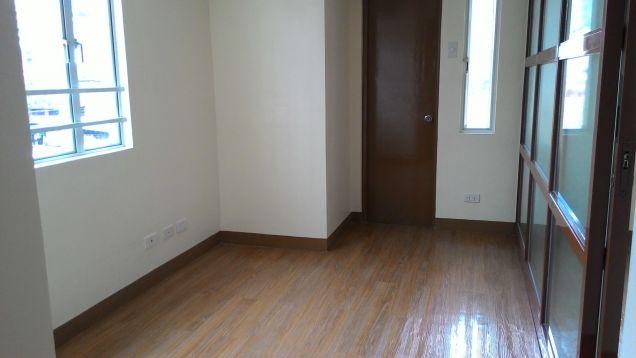 Pines Peak Condo near EDSA Boni 1 Bedroom de-luxe RFO Limited Promo on terms and Bank loan - 6