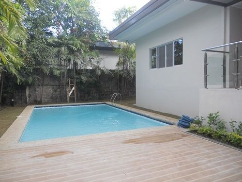 Forbes Park Makati House For Rent - 1