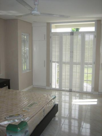 Furnished townhouse with 3BR for rent in Angeles City - 49.5k - 2