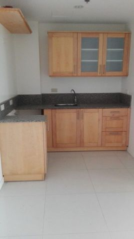 2 bedroom unit for sale in Linmarr Towers - 4