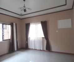3BR Bungalow house for rent for 50K - 3