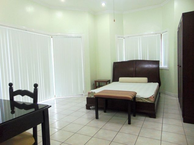 House for Rent with Swimming Pool in Banilad, Cebu City - 9