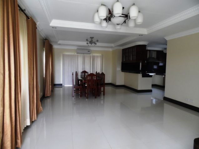 4 Bedroom Semi Furnished House in Hensonville - 9