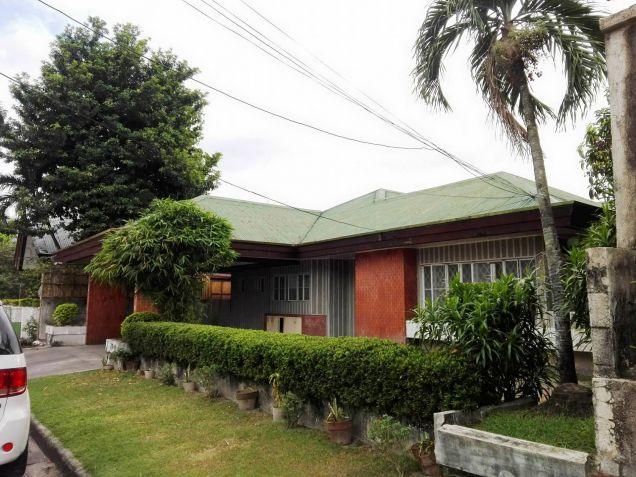 4BR Bungalow house and lot for rent in Friendship - 35K - 1