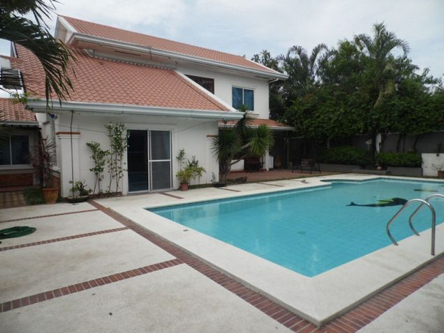 6 Bedroom House with swimming pool for rent - 80K - 1