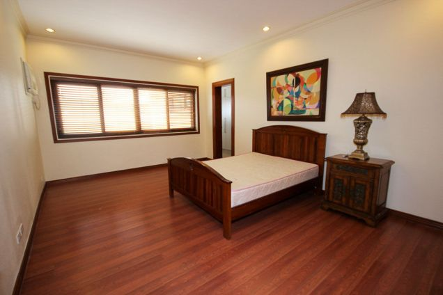 4 Bedroom House for Rent with Swimming Pool in Banilad - 1