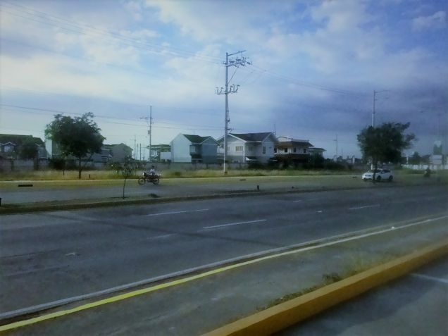 Commercial lot for lease along Molino Boulevard Bacoor Cavite - 4