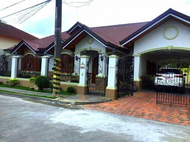 4 Bedroom Furnished Bungalow House and Lot for Rent Near Holy Angel University - 0