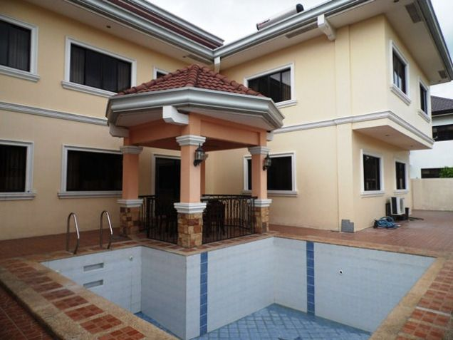 House and lot w/ 7 Bedroom & Pool for rent for P180K - 8