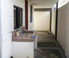 3 bedrooms for rent near SM CLARK ---- P 35K - 4