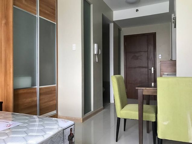 Very Affordable Studio Condo for sale unit near MRT Boni Station Mandaluyong - 0