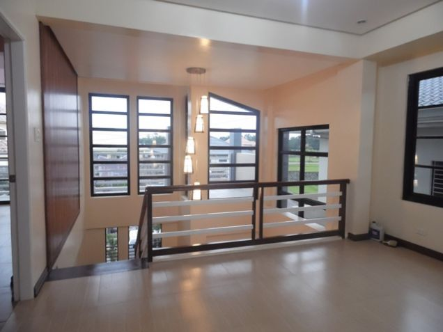 Modern 2 Storey House and lot for rent near SM Clark -@P50K - 4