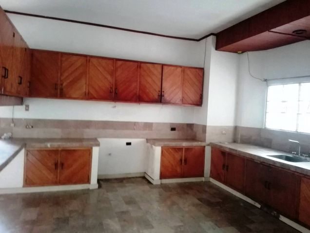 4BR Bungalow house and lot for rent in Friendship - 35K - 2