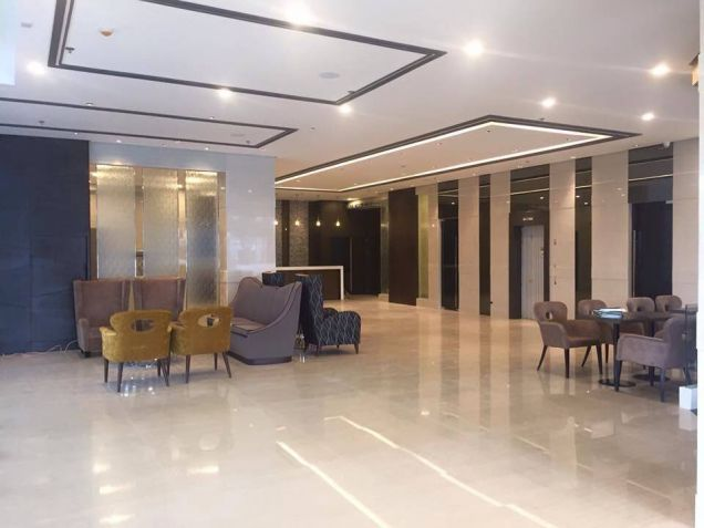 RFO 1BR condotel in West Avenue - 3
