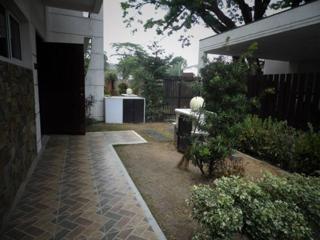 House In Clark Pampanga For Rent With 3 Bedrooms - 4
