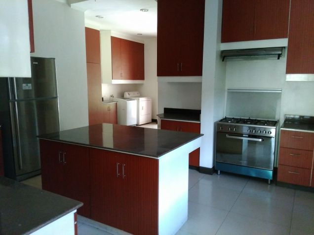 Dasmarinas village house for rent with pool and aircons - 1