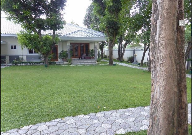 1 Storey House with Nice Landscaped yard for rent - 45K - 2