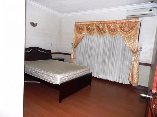 Two Storey House for rent with 6 bedrooms in pool in Hensonville - 1