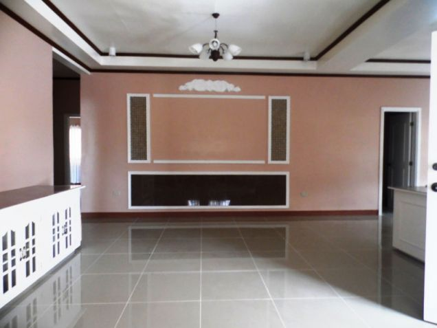 Furnished Bungalow House & Lot For Rent Along Friendship Highway In Angeles City Near CLARK - 5