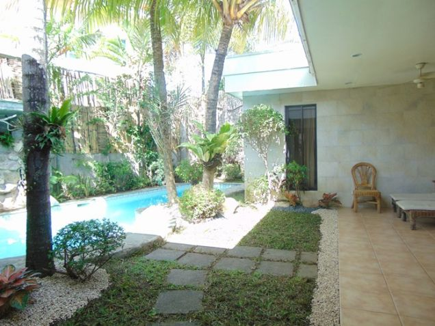 4 Bedroom Bungalow House with Swimming Pool for Rent in Banilad, Cebu City - 3