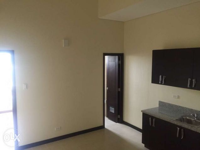 2 Bedrooms Ready For Occupancy Condo in Makati near Ayala at San Lorenzo Place - 6