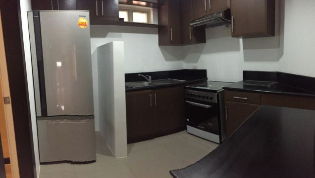 Tuscany 1 Bedroom Loft Condo Mckinley Hill For Sale with Parking - 3