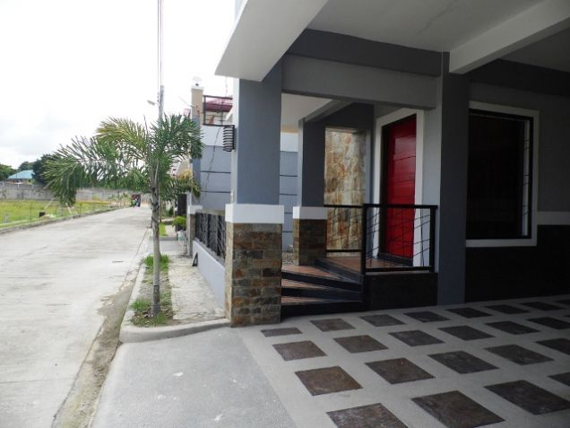 4 Bedroom Fully Furnished House near SM Clark FOR RENT - @P50K - 1