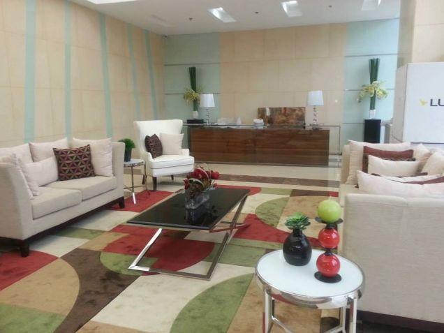 For Sale Condominium Studio Unit near Ortigas, Makati and Greenhills Mandaluyong Pioneer - 0