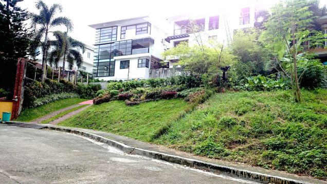 Lot for sale in Don Antonio Royale in Commonwealth Ave Quezon City - 4