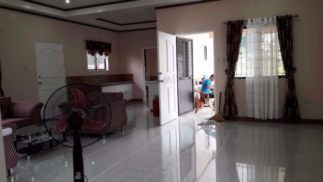 Bungalow House for rent with 3 bedrooms in Friendship very near to Clark - 1