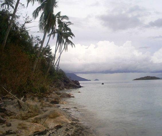 Private Beachfront on Quiet Island - 2
