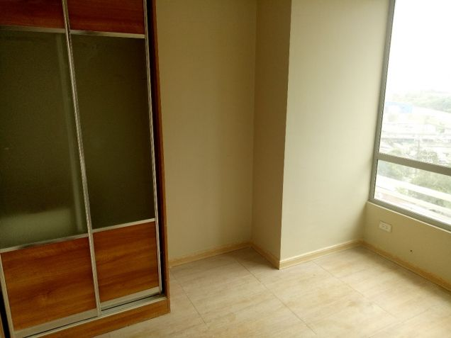 Ready for Occupancy 2 bedroom condo unit in near Shangrila, Robinsons Galleria - 5
