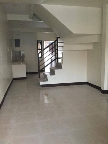 Quezon City Townhouse in North Fairview 3br2cr1cg 19,700 per month - 5