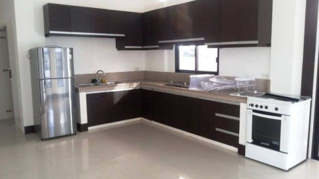 Fully Furnished 3 Bedroom House near SM Clark for rent - 45K - 7