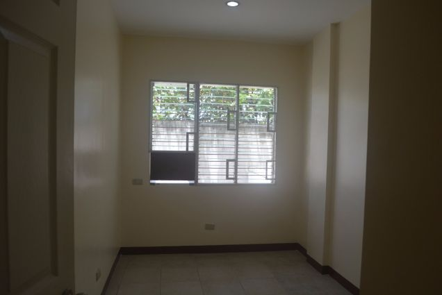 Corner townhouse unfurnished with 3 bdrms near UP and Jy square P28K - 8