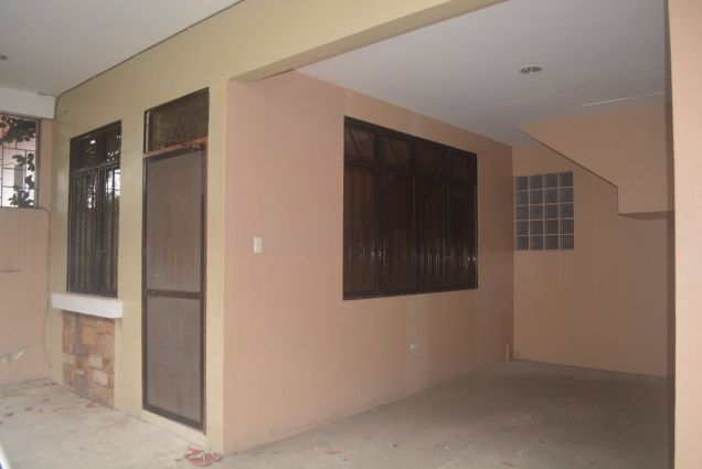 Lahug townhouse with 3 bedrooms unfurnished inside gemsville P27K - 0