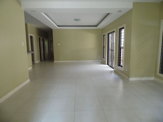 3 Bedroom Modern Bungalow House and Lot for Rent - 1
